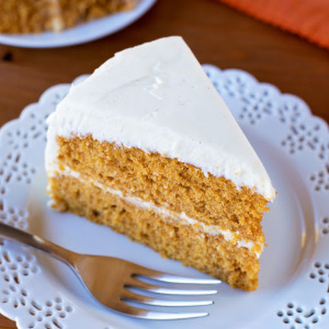 Pumpkin Cake with Maple Frosting and Apple Cider Caramel Recept ...