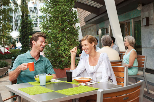 Stop by lunch or a mid-day meal at the deli-style cafe Park Café during your cruise on Allure of the Seas.