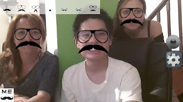 Screenshot of MustacheME