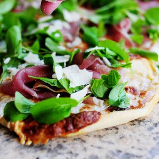 Fig-Prosciutto Pizza with Arugula.