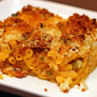 Cheesy Bacon Jalapeño Mac & Cheese Bake