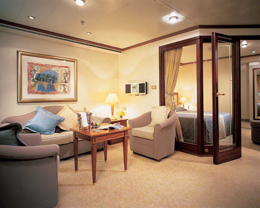 Medallion_Suite_Silversea - Five hundred square feet of luxury will surround you in the Medallion Suite aboard Silver Shadow.