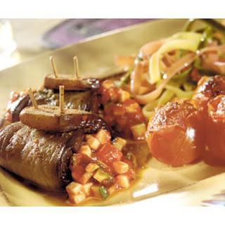 Auberginerolletjes Met Pesto En Tomaat