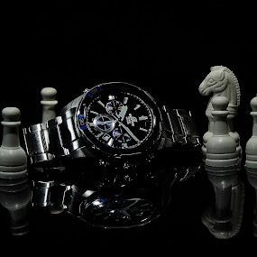 Its time by Whayne Peñero - Artistic Objects Still Life