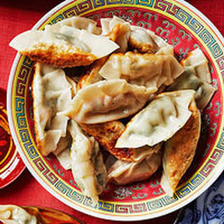 Chinese Dumpling with Chicken & Napa Cabbage Filling.