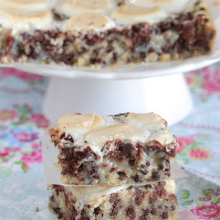 Marshmallow Chocolate Chip Shortbread Magic Bars