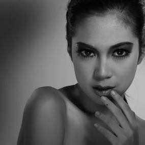 BW #7 by Aditya Perdana - Black & White Portraits & People