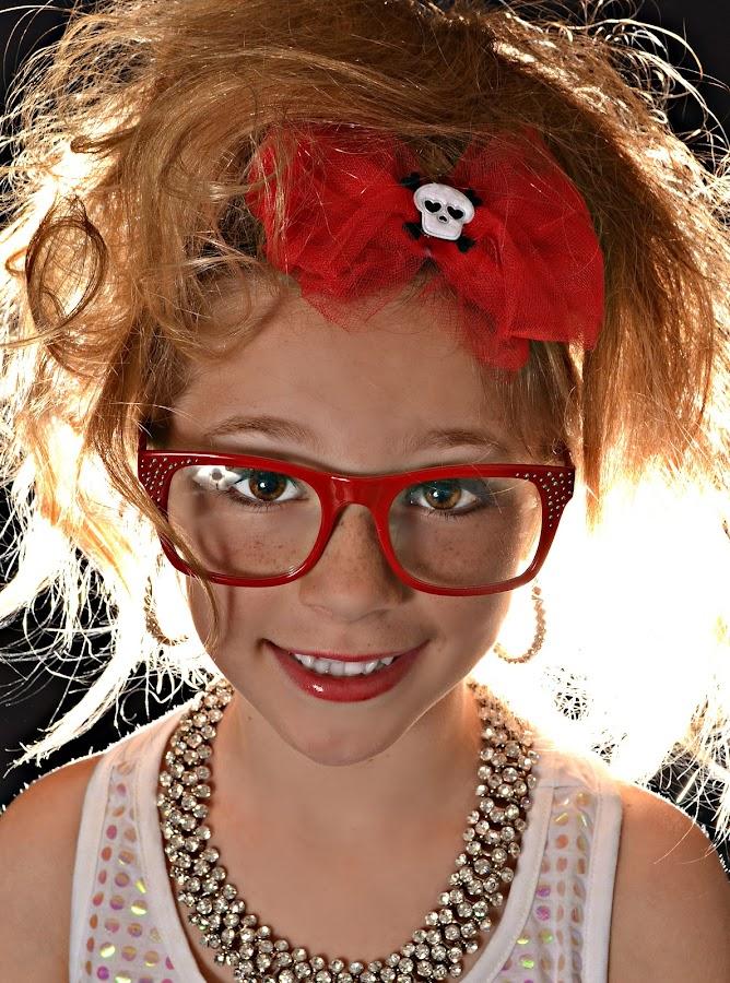 by Kathy Salit - People Fashion ( child, fashion, backlit )