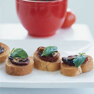 Oven-Dried Tomato on Toast Rounds