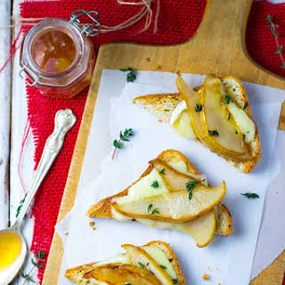Brie & Pear Toasts with Thyme & Honey.