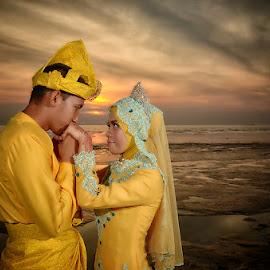 sunset in love by Zul De Sniper - Wedding Groom