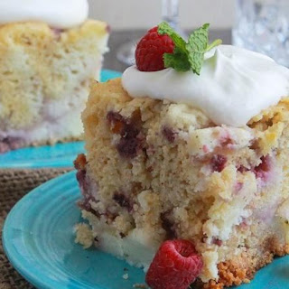 Slow-Cooker White Chocolate Raspberry and Cream Cake