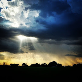 by Jonathan Brasch - Instagram & Mobile Android ( sunset, sunsets, sunrays, sunray, clouds, cloud, heaven, heavens, heavenly, storm, storms, thunder, Texas, sun, skies, nature, beautiful, gorgeous, spectacular, rain, onceinalifetime,  )