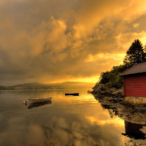 First light by Rune Askeland - Landscapes Sunsets & Sunrises ( bergen, boats, boathouse, sunrise, norway, fjord )