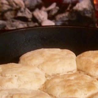 Biscuits With Milk Gravy