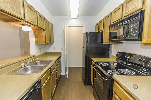 A 1 bedroom 1 bath floorplan 1 bed 1 bath canyon - One bedroom apartments san antonio ...