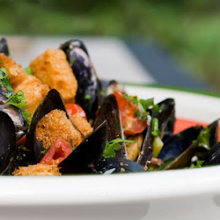 Beer Steamed Mussels with Parmesan Croutons
