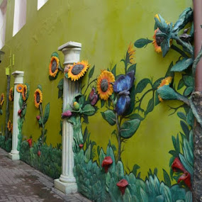 Artistic walk by Bonnie Lea - City,  Street & Park  Street Scenes