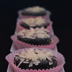 Marzipan Mini Cupcakes