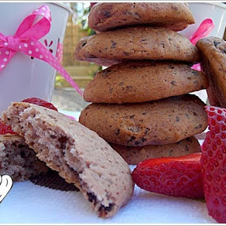 SOFT STRAWBERRY COOKIES WITH CHOCOLATE.