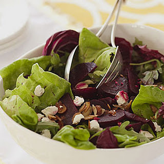Green Salad with Roasted Beets, Goat Cheese and Almonds