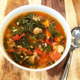 Hearty Kale-Bean Soup