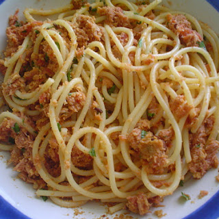 Pasta with Tuna, Tomato, and Spicy Chile Pepper.