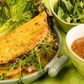 Vietnamese Crispy Rice Crepes (Banh Xeo)