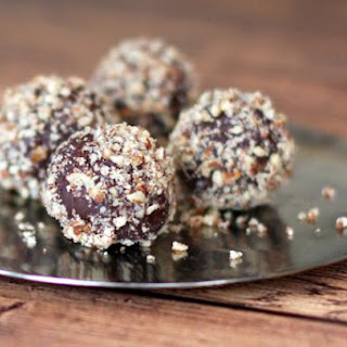Easy Chocolate Bourbon Truffles