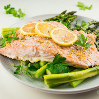 Lemon-Garlic Salmon with Asparagus