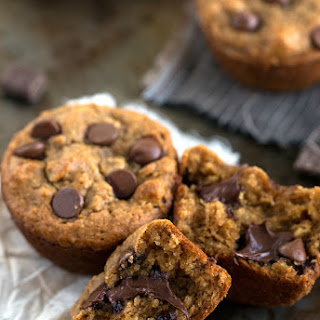 {Skinny} Peanut Butter, Chocolate, and Banana Muffins