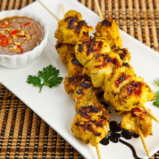 Chicken Satay with Spicy Peanut Dipping Sauce