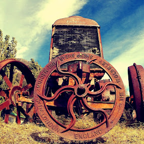 by LoRe Pics ARG - Artistic Objects Industrial Objects ( farm, field, sky, rusty, rust, antique,  )