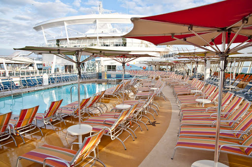 Oasis-of-the-Seas-pool-deck - The pool deck on Oasis of the Seas.