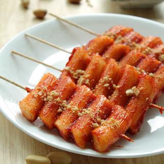 Korean Spicy Rice Cake Skewers [Ddeok-kochi].