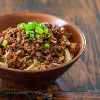 Taiwanese Noodles with Meat Sauce Recipe (Taiwanese Spaghetti).