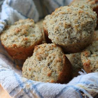 Whole Wheat Lemon Poppyseed Muffins