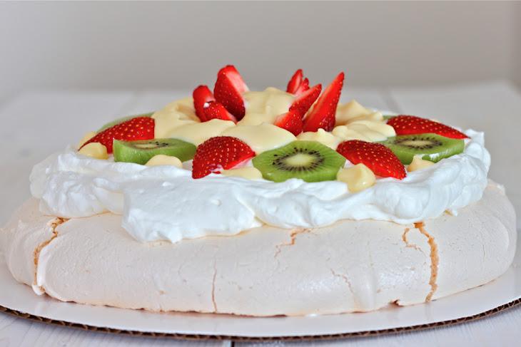 Pavlova Style Meringue Dessert with Vanilla Custard Recipe