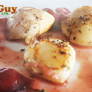 Pan Seared Scallops with a White Wine & Cherries Glamour Sauce Recipe