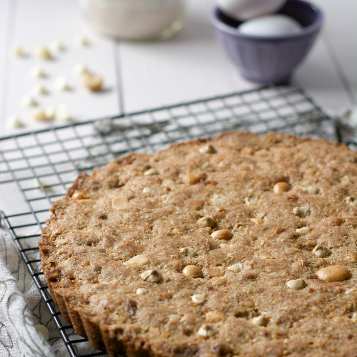 Whole Wheat White Chocolate Macadamia Cookie Cake {Gifts in a Jar} Recipe