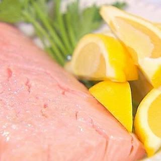 Poached Salmon With Lemon Mint Tzatziki