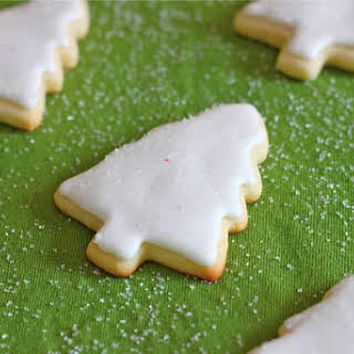 Christmas Cookies (Sugar Cookies) with Royal Icing.