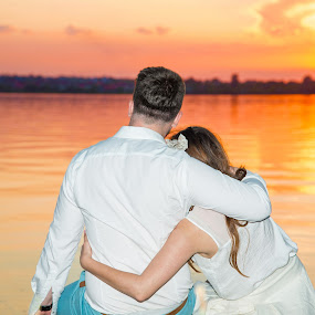 The sunset by FIWAT Photography - People Couples ( hug, sunset, couple, dusk )