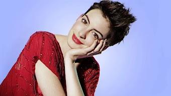 Anne Hathaway - November 10, 2012