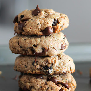 Chia Chocolate Chip Oatmeal Breakfast Cookies (gluten free & packed with omega-3!)