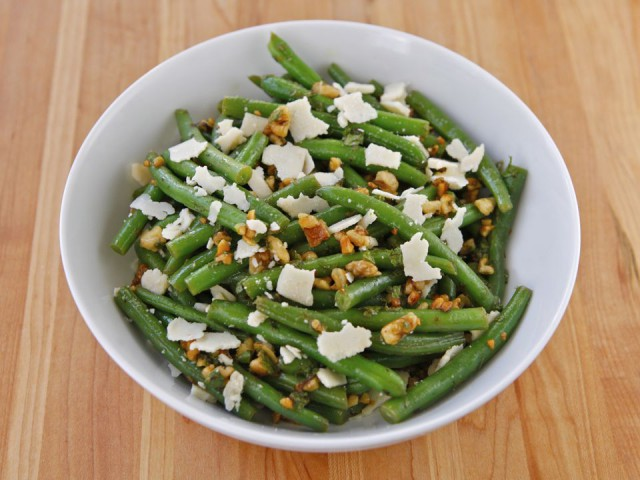 Green Bean Salad with Walnuts, Parmesan and Mint Recipe