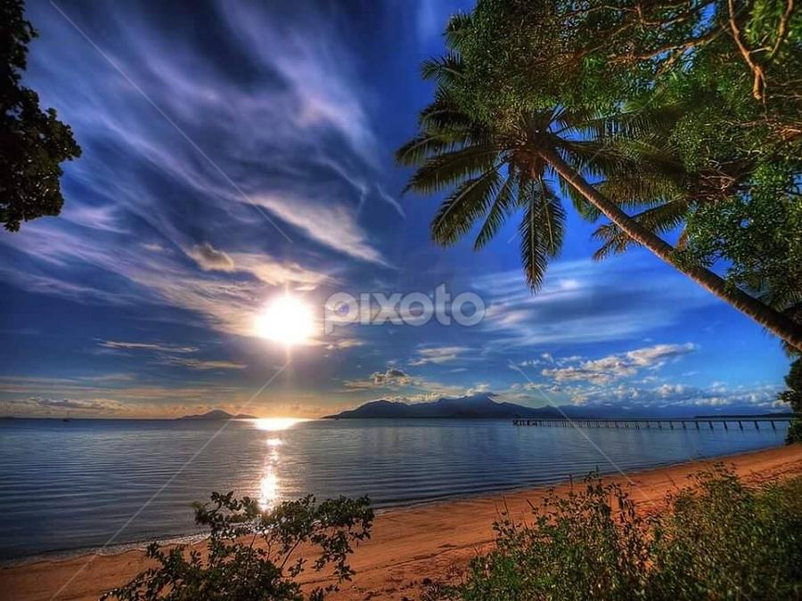 Sunset by Linda Morgan - Landscapes Sunsets & Sunrises ( colors, sunset, landscape )