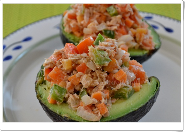 Avocados stuffed with tuna salad tuna fish salad with no for Tuna fish salad calories