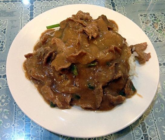 [遼寧街夜市] 牛家村,牛肉燴飯 牛雜湯