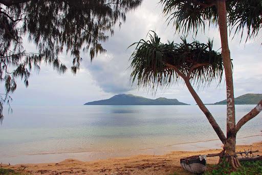 nguna-vanuatu - Nguna from Paonangisi Beach, Vanuatu.